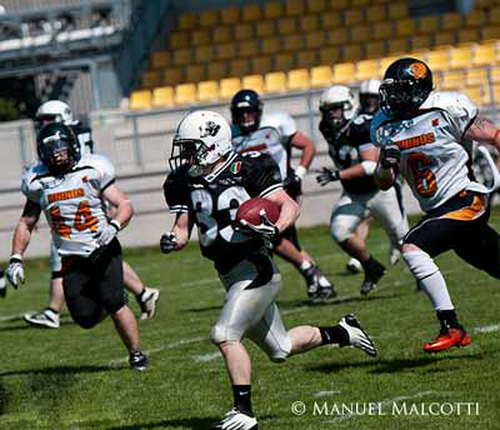 Football Americano - Panthers vs Hogs: vincere il derby per consolidare la testa della classifica