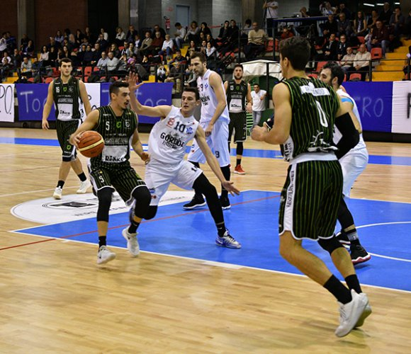 Gordon vs Rekico 66-76 (22-22; 39-32; 52-58)
