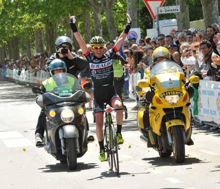 Roberto Cunico vince la 43 edizione della Granfondo Internazionale Nove Colli