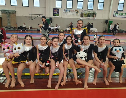 Riminigymteam a Sassoferrato (AN) per la 2° prova del campionato interregionale di acrobatica UISP