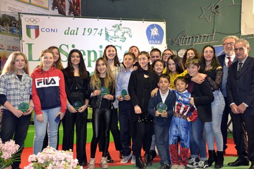 Equitazione - Incetta di medaglie all'esordio dell'anno per la Rondinella