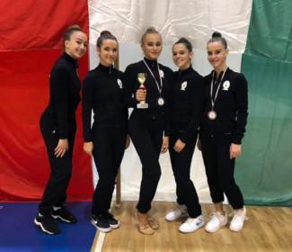 Ginnastica Ritmica - Riparte con 4 medaglie e 4 ginnaste qualificate al campionato nazionale Gold la stagione per Edera Ravenna