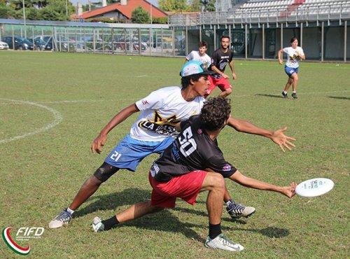 Ultimate frisbee - incontri online per migliorare e rinforzare tecnica e tattica