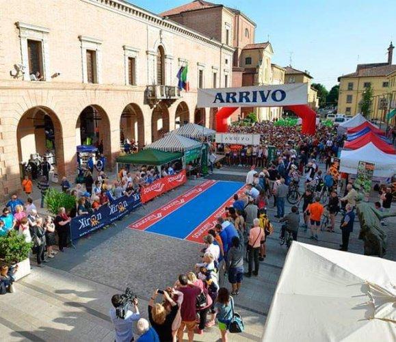 Atletica 85 festeggia la Liberazione tra la pista di Modena e la Valle del Senio