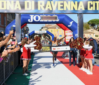 La carica dei diciottomila nell'edizione 2019 della maratona di Ravenna città d'arte