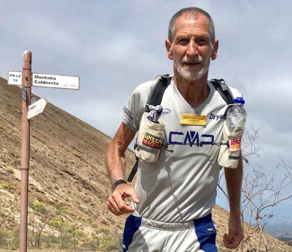 L'ultramaratoneta e scrittore Marco Olmo alla partenza della Ravenna park race del 15 settembre