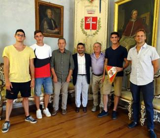 Lugo: il sindaco Davide Ranalli ha incontrato gli atleti Mattia Rondinelli, Enrico Ghilardini e Michele Brini
