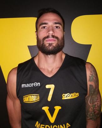 Matteo Polverelli vestirà la maglia giallo nera della Virtus Medicina anche la prossima stagione