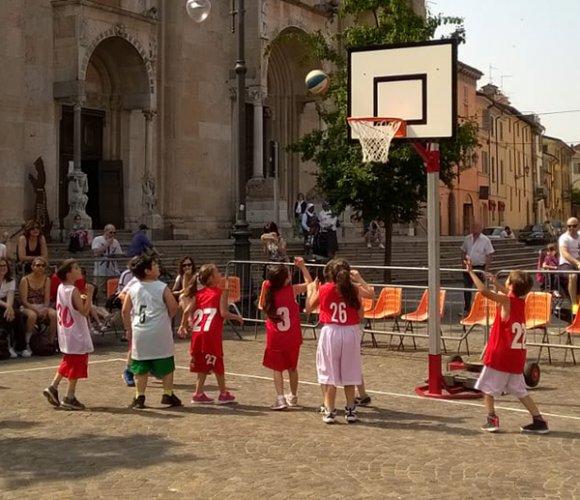 """Successo per la grande festa """"Basket in Centro"""""""