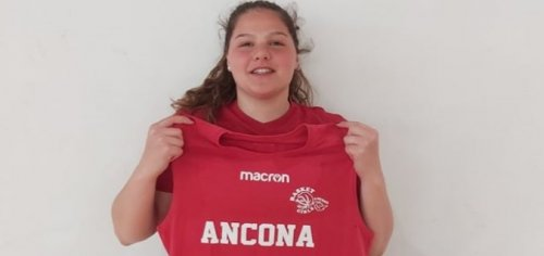Il Basket Girls Ancona  firma Claudia Pallotta