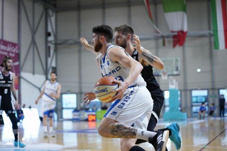 Due su due al PalaCarifac : La Janus Basket Fabriano batte San Vendemiano