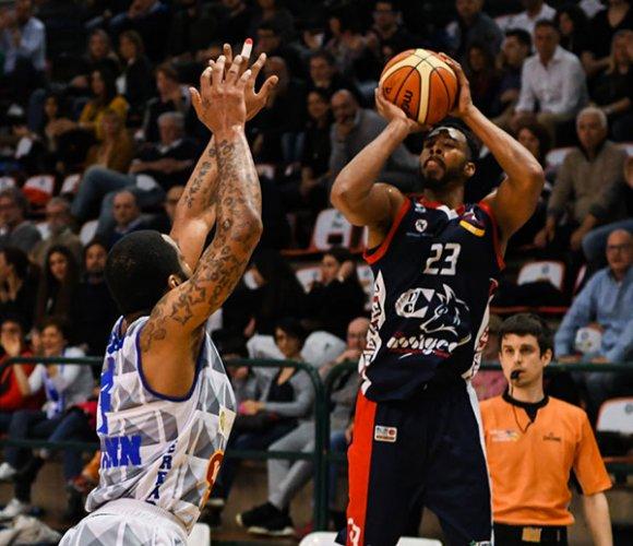 Bondi Ferrara - Assigeco Piacenza 82-75