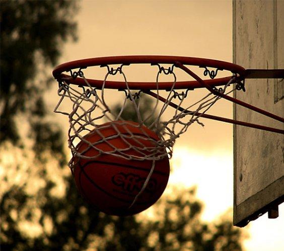 Il basket fa canestro: uno sport sempre più amato dai tifosi