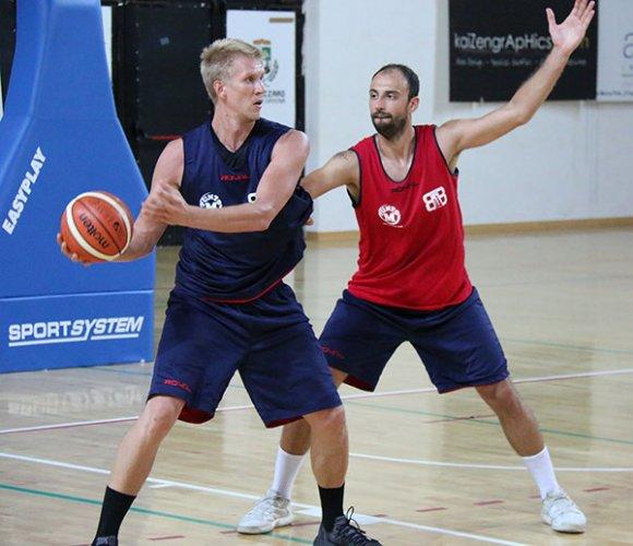 Bologna basket 2016, raduno di inizio stagione al Palasavena