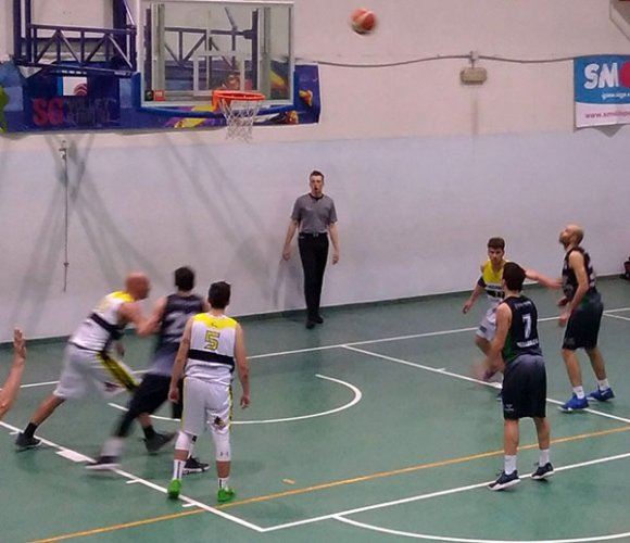 Fadamat Basket Fermata Est - Rose & Crown Villanova Tigers 67-70