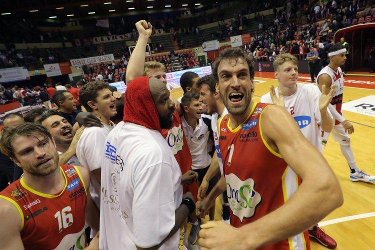 Basket Ravenna - Una grande OraSì espugna Forlì 70-76.