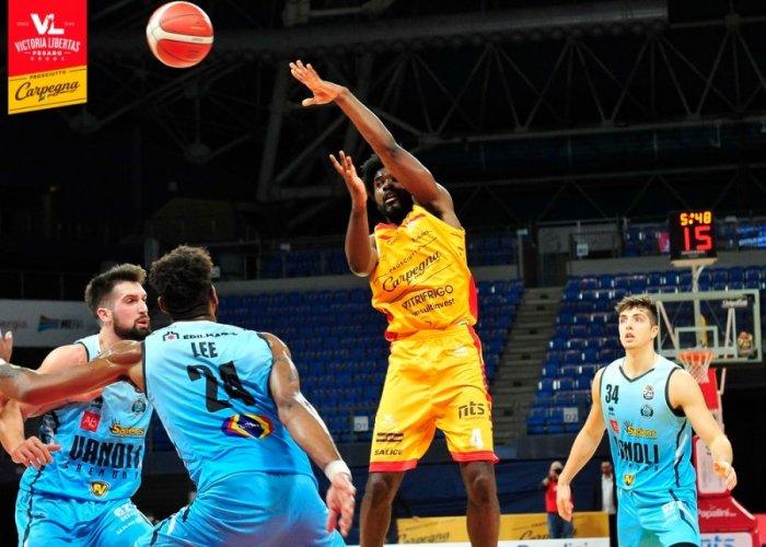 Carpegna Prosciutto Basket Pesaro : Aggiornamento sulle condizioni fisiche di Frantz Massenat