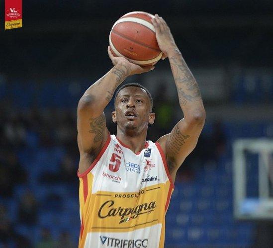 Troy Williams lascia la Carpegna Prosciutto Basket Pesaro