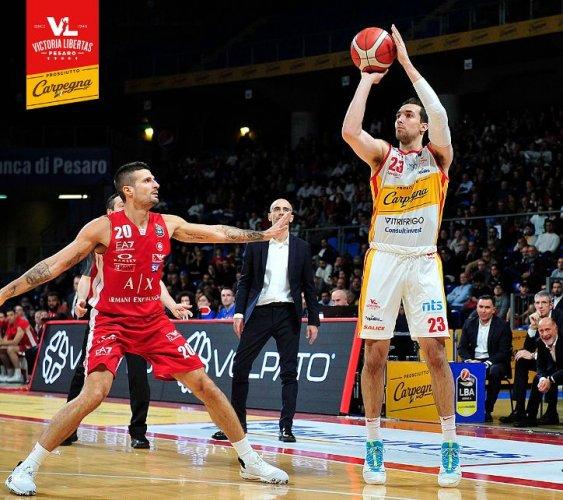 Carpegna Prosciutto Basket Pesaro : Anche Zach Thomas torna negli Stati Uniti