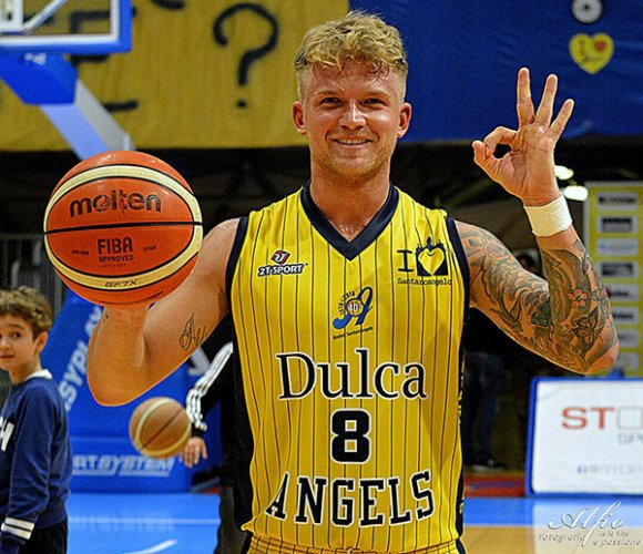 Dulca Angels vs Cvd 70 - 66