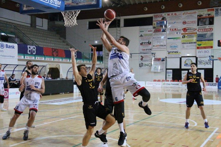 Bologna Basket 2016 - Il BB2016 batte Medicina con Fontecchio protagonista