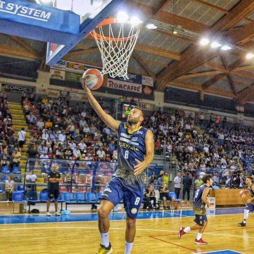 Che colpo! Riccardo Di Angilla a Porto S.Elpidio Basket !