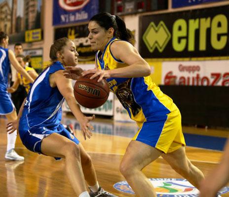Lavezzini Basket Parma – Calligaris Triestina 77 a 60 (42-33)