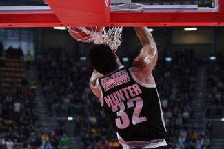 Virtus Segafredo Bologna – Carpegna Prosciutto Basket Pesaro: 106 – 89