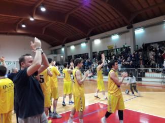 """Guelfo piega Bologna Basket al """"PalaMarchetti"""""""