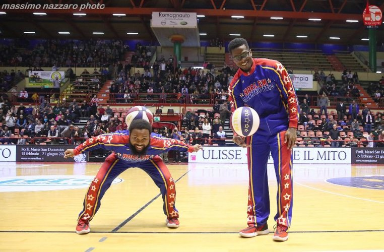 Pallacanestro 2.015 Forlì : Gli Harlem Globetrotters all'Unieuro Arena!