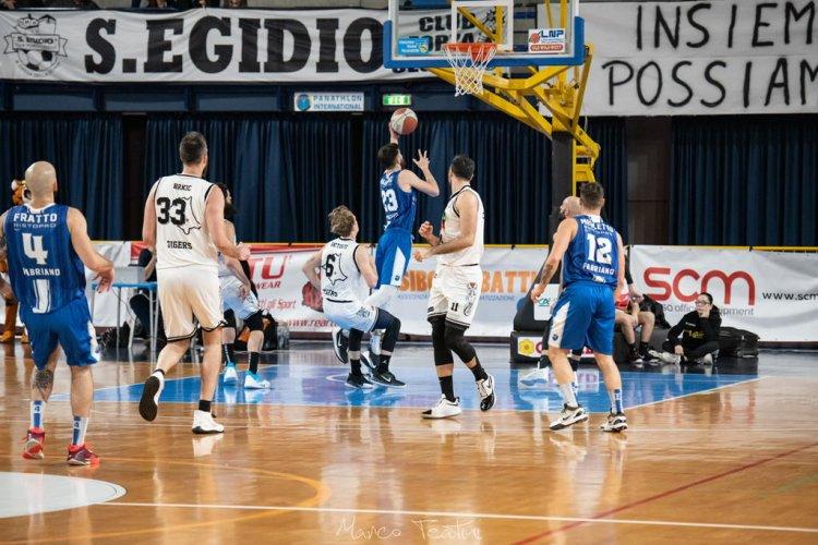 Tigers Amadori Cesena  vs Janus Basket Fabriano  77 - 76