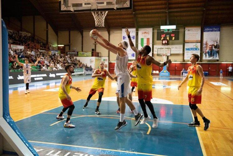 Janus Basket Fabriano : Next Step : trasferta Giulianova