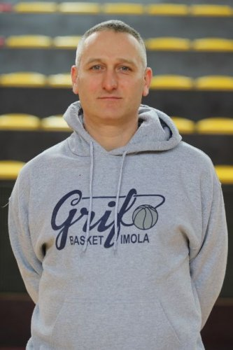 Grifo Basket Rivit Imola : Intervista al coach Filippo Palumbi .