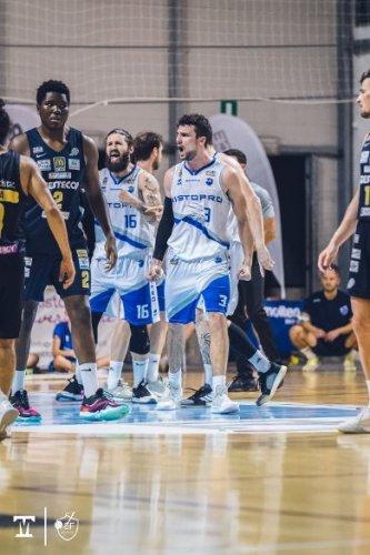 La Janus Basket Fabriano saluta Francesco Papa