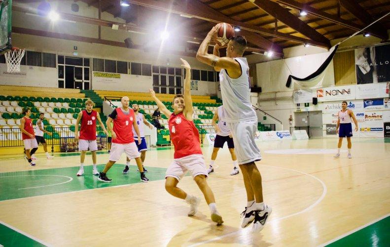 Porto S. Elpidio Basket : Buono il primo scrimmage degli uomini di Rossano Cappella