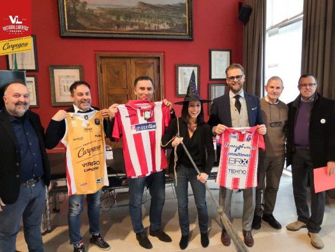 Carpegna Prosciutto Basket Pesaro, Vis e Italservice in campo insieme per la Befana Biancorossa!