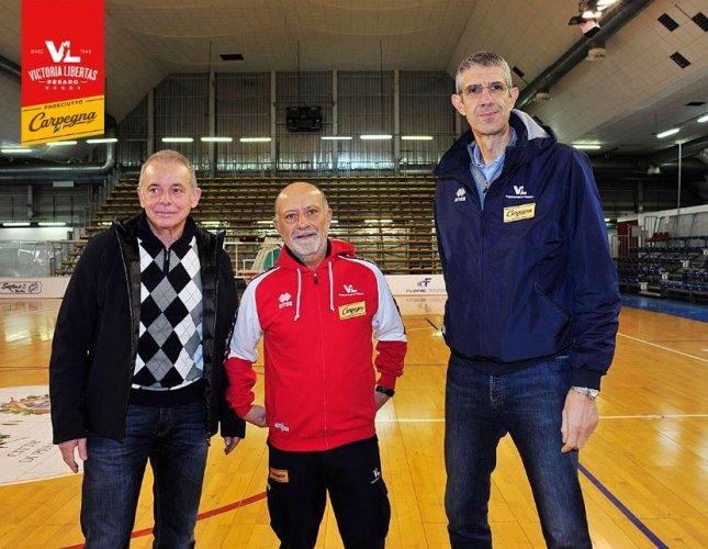 Coach Giancarlo Sacco torna sulla panchina della Carpegna Prosciutto Basket Pesaro