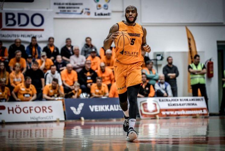 Basket Ravenna - L'OraSì Ravenna firma l'ala americana Samme Givens