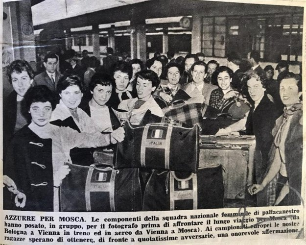 Italbasket100  -  L'Europeo 1952 giocato a Mosca sotto la neve, cantando  - La Montanara -