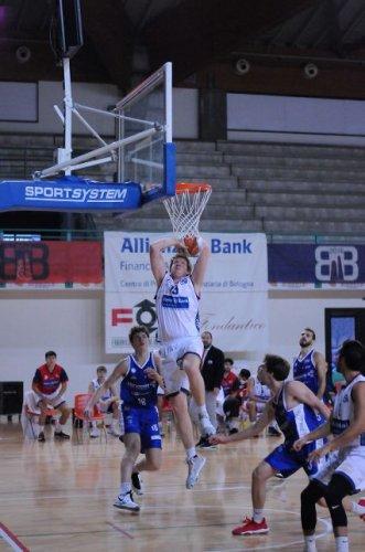 Bologna Basket 2016 - il BB2016 a ranghi ridotti sconfitto da Agrigento