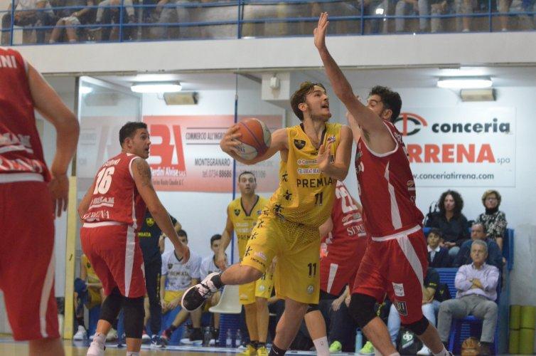 Cardiopalma gialloblù : la Premiata batte Senigallia e torna a vincere .