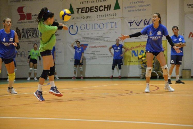 Volley serie B1 femminile girone D, primo allenamento congiunto con il sorriso per la Conad Alsenese: 4-0 al Centro Volley Reggiano
