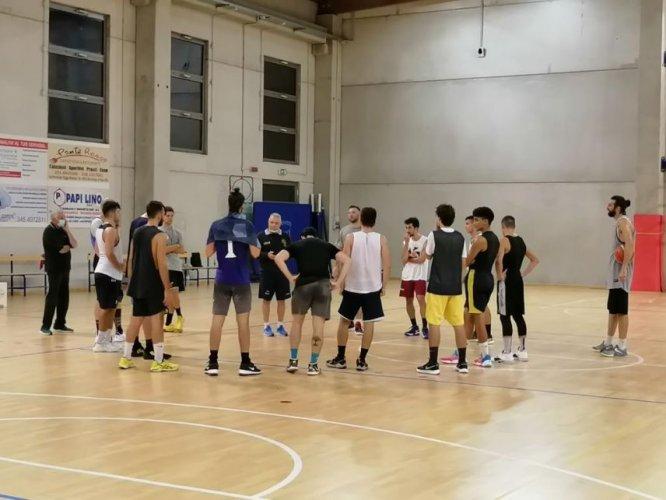 Pizzoli Veni Basket , Calendario , Girone e numeri di maglia.
