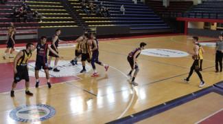 Intech Basket Giallonero  vs Salus Bologna  77 - 72