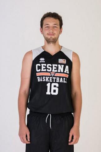 Riccardo Puntolini è un giocatore della Selene Basket Sant'Agata.