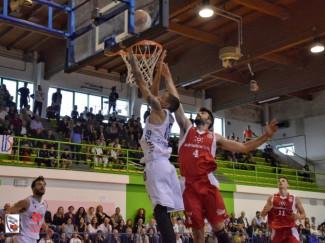 Virtus  Civitanova - Teramo Basket   82 - 61.