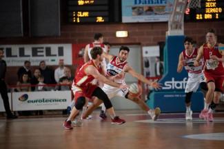 Pompea Mantova  -  Basket Ravenna OraSì 74-75