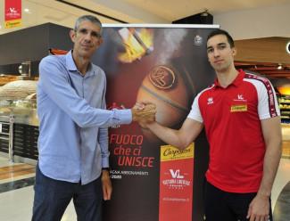 Il capitano della Carpegna Prosciutto Basket Pesaro Zach Thomas si presenta.