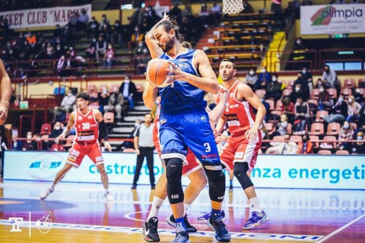 Una prestazione gagliarda non basta alla Ristopro Fabriano: vince Forlì 93-81