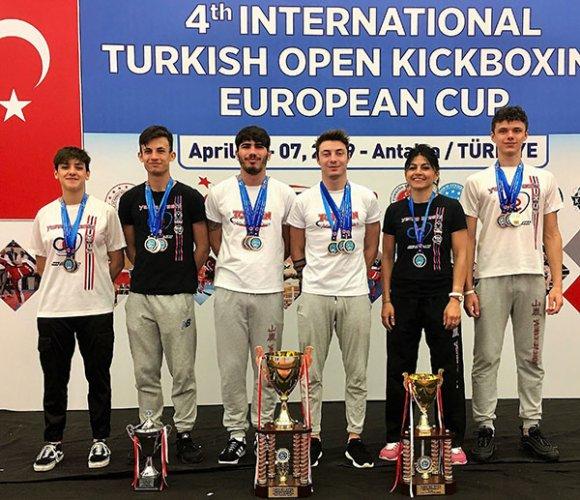 Kick Boxing, la C.E. Yama Arashi brilla anche in Turchia nelle World Series